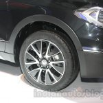 Auto Expo 2014 Maruti S Cross front wheel
