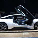BMW i8 side profile live