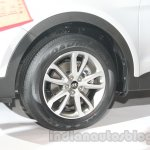 Hyundai Santa Fe at Auto Expo 2014 wheel