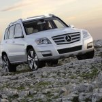 Mercedes GLK front three quarter press shot