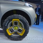 Renault's KWID concept (17)