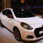 Renault Scala design showpiece front three quarter right live