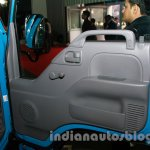 SML Isuzu NHR door panel live