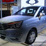 Ssangyong Rodius front three quarter left live