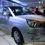 Ssangyong Rodius front three quarter right live