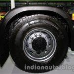 Tata Prima 4032.S LNG wheel