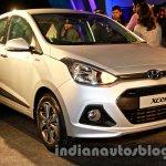 Hyundai Xcent front three quarter view image
