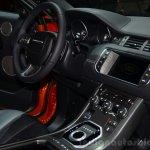 Range Rover Evoque Autobiography Dynamic centre console - Geneva Live
