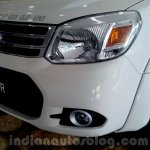 2014 Ford Endeavour headlamp and grille - Live image