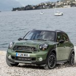 2015 Mini Countryman facelift press shot front quarter