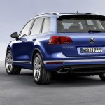 2015 VW Touareg rear three quarters press shot
