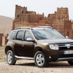 Dacia Duster 4x4 front three quarter press shot