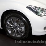 Infiniti Q70 front wheel at Moscow Motor Show 2014