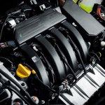 Nissan Terrano (Russia-spec) engine press shot