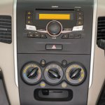 Suzuki Wagon R Pakistan center console