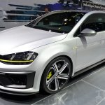Volkswagen Golf R 400 concept front three quarters