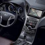 2014 Hyundai Grandeur cockpit at Busan Motor Show 2014