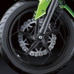 2014 Kawasaki Z250 SL press shots alloy wheel