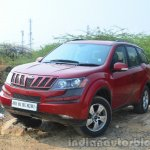 2014 Mahindra XUV500 Review front quarters