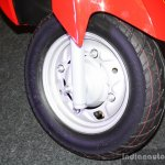Suzuki Let's - front wheel