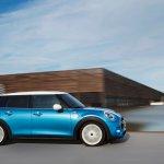 2015 Mini Five-Door press shot dynamic front quarter