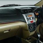 Toyota Avanza Luxury dashboard