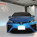 Toyota FCV sedan official image front
