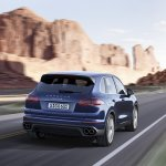 2015 Porsche Cayenne facelift press shots S rear quarter