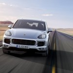 2015 Porsche Cayenne facelift press shots front