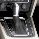 2015 VW Passat press image gear selector