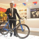 Mr Pravin V Patil MD Starkenn Sports Pvt. Ltd. unveils the Giant Propel Advanced SL 0