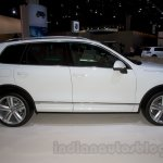 2015 VW Touareg facelift at the 2014 Moscow Motor Show side