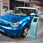 Kia Soul EV at the 2014 Moscow Motor Show front quarter