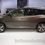 Nissan Pathfinder at the 2014 Moscow Motor Show side