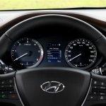2015 Hyundai i20 Europe press shot cluster