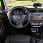 2015 Hyundai i20 Europe press shot dashboard