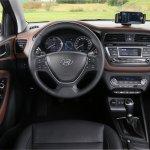 2015 Hyundai i20 Europe press shot dashboard