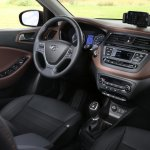 2015 Hyundai i20 Europe press shot steering