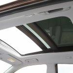 2015 Hyundai i20 Europe press shot sunroof
