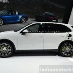 2015 Porsche Cayenne S E-Hybrid plugged in