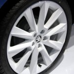 2015 Skoda Fabia images wheel