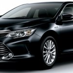2015 Toyota Camry Hybrid facelift press shots front