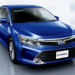 2015 Toyota Camry Hybrid facelift press shots grille