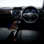 2015 Toyota Camry Hybrid facelift press shots interior