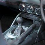 2016 Mazda MX-5 Miata gear lever