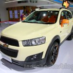 Chevrolet Captiva special edition front three quarters at the 2014 Indonesia International Motor Show