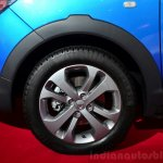 Dacia Lodgy Stepway front wheel at the 2014 Paris Motor Show