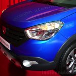 Dacia Lodgy Stepway nose at the 2014 Paris Motor Show