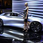 Infiniti Q80 Inspiration Concept profile at the 2014 Paris Motor Show