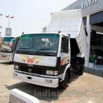 Tata LPT 913 at the 2014 Indonesia International Motor Show front quarter